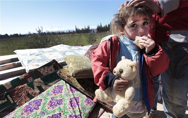 Syrians fleeing to Lebanon